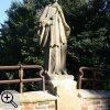 Brücke zum Schloss Gymnich mit einer Statue von Johannes von Nepomuk